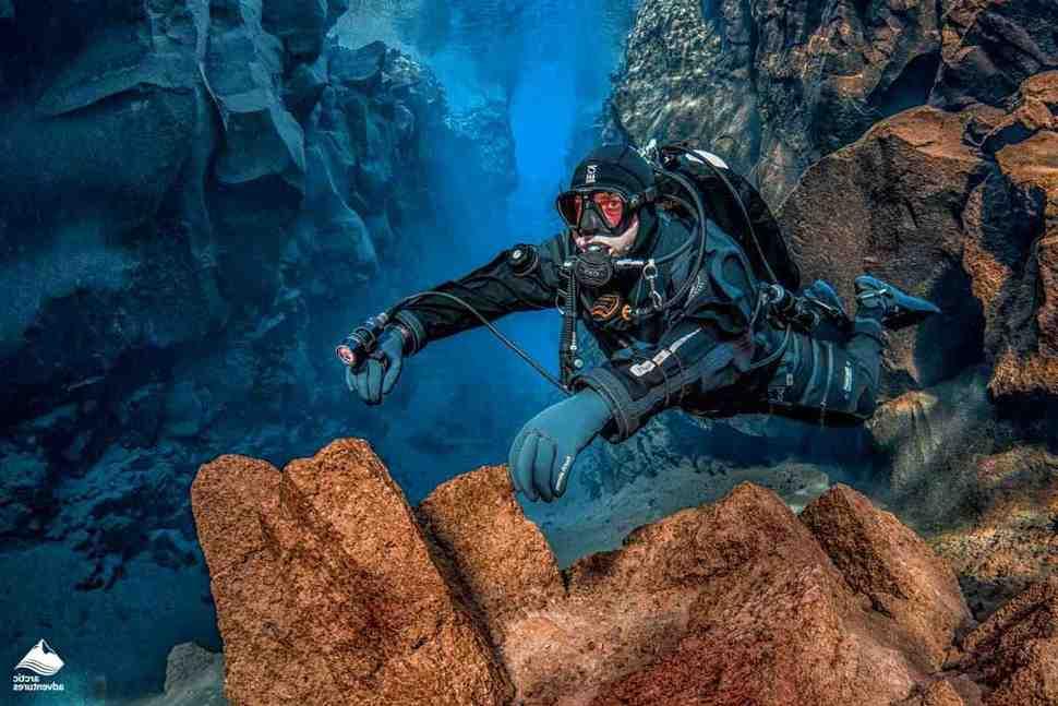 Faire de la plongée sous-marine ? Voici ce que vous devez savoir pour obtenir la certification.