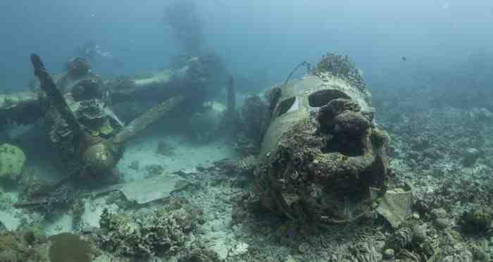 La lagune de Truk au Japon abrite un nombre extraordinaire d'épaves de guerre, toujours visibles aujourd'hui